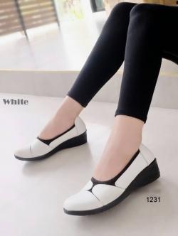รองเท้าคัทชูเพื่อสุขภาพ พื้นนิ่มตัดใส่ผ้ายืด (สีขาว )