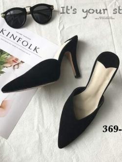 รองเท้าส้นสูงหัวแหลมสีดำ เปิดส้น ผ้าชามัวร์ สไตล์ZARA (สีดำ )