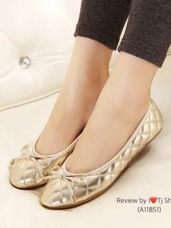 รองเท้าคัทชูส้นแบน หนังนิ่ม ประดับโบว์หน้ารัก ทรงยอดฮิต (สีทอง )