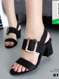รองเท้าส้นตันรัดส้นสีดำ แต่งอะไหล่เข็มขัด (สีดำ )