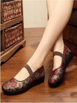 """รองเท้าคัชชูสีน้ำตาล สไตล์ปักกิ่ง ลายดอกไม้สวยหวานดูดี หน้า 0.5"""" ส้น 1.1 """""""