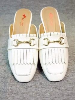 รองเท้าส้นเตี้ย เปิดส้น หนังนิ่ม แต่งภู่ส Style GUCCI (สีขาว )