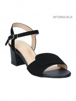 รองเท้าส้นเตี้ย ทรงรัดส้น สไตล์ลำลอง (สีดำ )
