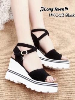 รองเท้าส้นเตารีดสีดำ แบบรัดข้อสไตล์เกาหลี วัสดุทำจากผ้ากำมะหยี่+PU ให้สัมผัมที่นุ่มมาก ส้นน้ำหนักเบา 3.5 นิ้ว เสริมหน้า 1.5 นิ้ว