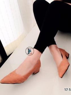 รองเท้าคัทชูหนัง หัวแหลม (สีแทน )