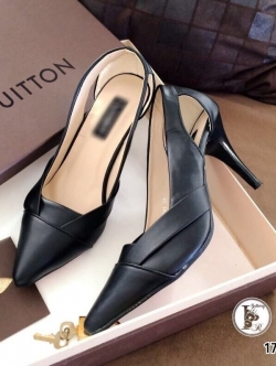 รองเท้าคัทชู ส้นสูง หัวแหลม ดีไซน์เก๋ (สีดำ )