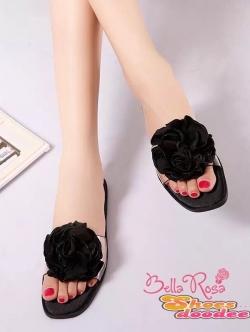 รองเท้าแตะเปิดส้นแต่งดอกซาติน (สีดำ)