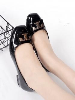 รองเท้าคัทชูส้นเตี้ย สไตล์ToryBruch (สีดำ)