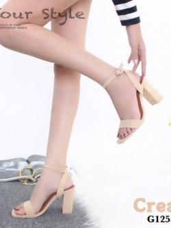 รองเท้าส้นสูงรัดข้อสีครีม ผ้าสักหราด สไตล์ ZARA (สีครีม )