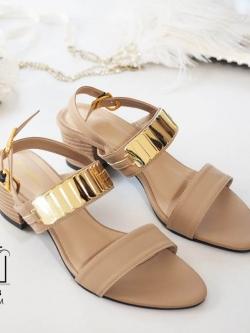 รองเท้าส้นตันรัดส้นสีครีม สายคาดสองระดับ แต่งอะไหล่สีทอง (สีครีม )