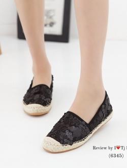 รองเท้าผ้าใบส้นเชือกปอ วัสดุผ้าประดับอะไหล่เก๋ๆ น่ารัก สวมใส่ง่าย (สีดำ )