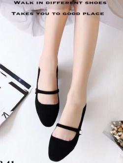 รองเท้าคัทชูผู้หญิง หัวมน ส้นเหลี่ยม (สีดำ )