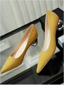 รองเท้าคัทชูส้นกลม หัวแหลม ทรงสุภาพ (สีเหลือง )