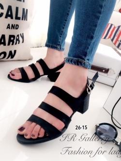 รองเท้าส้นเตี้ยรัดส้น แบบสายคาด (สีดำ )