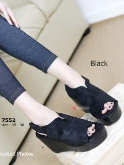 รองเท้าส้นเตารีด ทรงรัดส้น สไตล์เกาหลี (สีดำ )