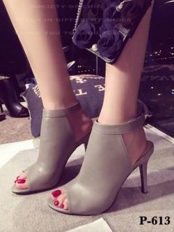 รองเท้าส้นสูง รัดข้อเท้า แบบเปิดหน้า สายรัดเมจิกเทป (สีขาว )