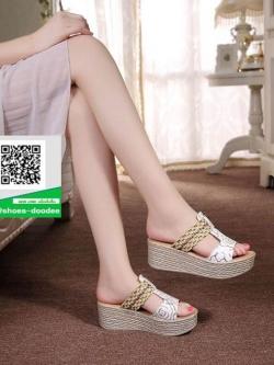 รองเท้าส้นเตารีดแบบสวมสีขาว เปิดส้น ทรงslope (สีขาว )