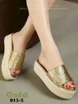 รองเท้าส้นตึกสีทอง ส้นเชือกปอ สไตล์แบรนด์ MIU MIU (สีทอง )