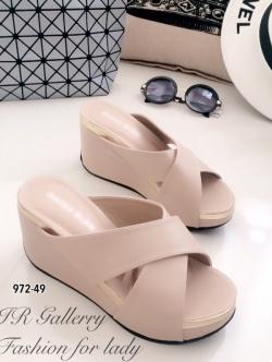 รองเท้าแตะส้นเตารีด ทรงสวม หน้าไขว้ (สีขาว )