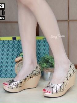 รองเท้าส้นเตารีดสีทอง สไตล์ BAOBAO ทรงสวย TopHit (สีทอง )