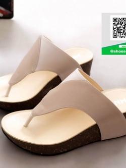 รองเท้าส้นเตารีดแบบสวมสีครีม เปิดส้น หูคีบ (สีครีม )