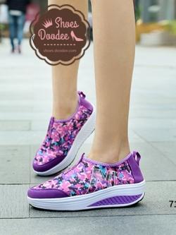"""รองเท้าผ้าใบสีม่วง แฟชั่น ดีไซน์สวยแต่งแถบข้าง """"N"""" วัสดุผ้าตาช่าย มีน้ำหนักเบา สูงหน้า3ซม. ส้นสูง4.5ซม."""