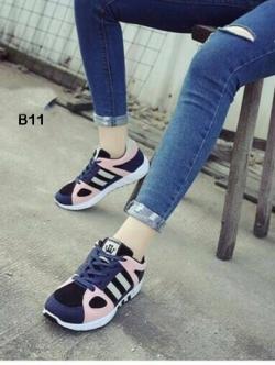 รองเท้าผ้าใบเสริมส้น ทรงสปอร์ต (สีชมพู )
