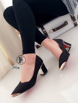 รองเท้าคัทชูส้นสูง หัวแหลม แต่งขอบทอง (สีดำ )