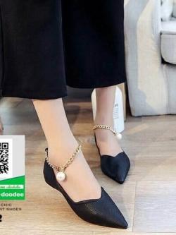 รองเท้าคัทชูหัวแหลมสีดำ พิมพ์ลายหนังงาช้าง (สีดำ )
