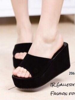 รองเท้าส้นเตารีดเปิดส้นสีดำ หนังกำมะหยี่นิ่ม (สีดำ )