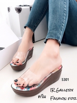 รองเท้าส้นเตารีดเปิดส้นสีครีม พียูใส พื้นผ้าพิ้มพฺลายดอกไม้ (สีครีม )