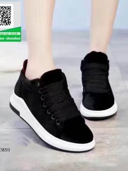 รองเท้าผ้าใบนำเข้าสุคชิค พื้นยางอย่างดี (สีดำ )