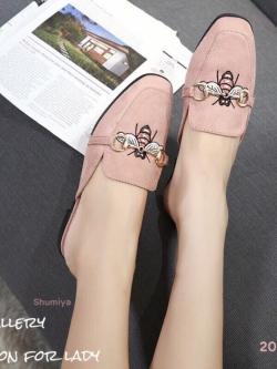 รองเท้าส้นเตี้ยเปิดส้นสีชมพู ทรงสลิปเปอร์ Style Gucci (สีชมพู )