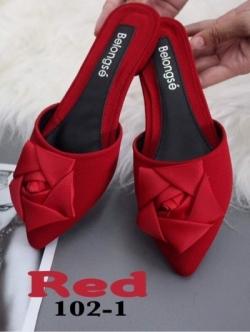 รองเท้าส้นเตี้ยเปิดส้นสีแดง หัวแหลม แต่งกุหลาบ (สีแดง )