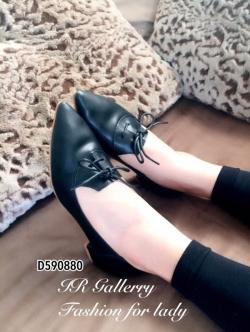 รองเท้าคัทชู ส้นเตี้ย หัวแหลม ผูกโบว์ (สีดำ )