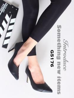 รองเท้าคัทชูส้นสูง หัวแหลม (สีดำ )