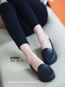 รองเท้าคัทชูส้นเตี้ย หนังเย็บ (สีดำ )