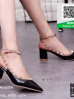 รองเท้าส้นตันรัดส้นสีดำ Style Valentino (สีดำ )