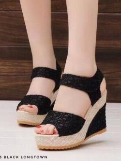 รองเท้าส้นเตารีด รัดส้น ผ้าลูกไม้ สไตล์เกาหลี (สีดำ )