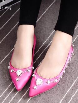 รองเท้าคัชชูสีชมพู วัสดุทำจาผ้าซาติน สูง1.5cm สินค้านำเข้าหิ้วเอง หัวแหลมเก็บทรง เท้าอูม+1