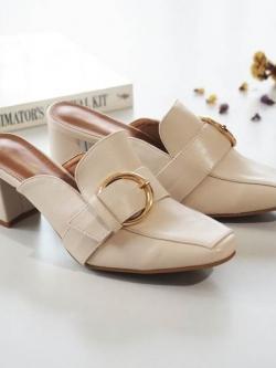 รองเท้าส้นตันสีเบจ ทรงหน้าเรียว style แบรนด์ Gucci (สีเบจ )