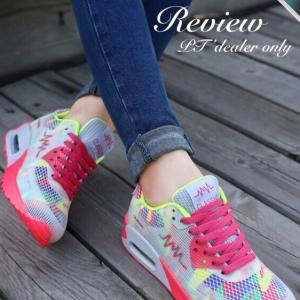 รองเท้าผ้าใบผู้หญิงสีชมพู สีเรนโบ แบบเชือกผูก พื้นยาง หนานุ่ม รองรับน้ำหนักได้ดี สวมใส่สบายเท้า แฟชั่นพร้อมส่ง