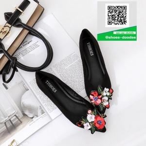 รองเท้าคัทชูส้นแบนสีดำ หัวแหลม ผ้าสักหนาด (สีดำ )