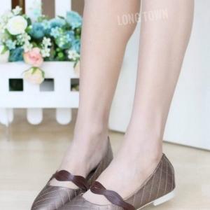 รองเท้าคัทชูส้นแบน หัวแหลม หนังบุนวม สไตล์น่ารัก (สีน้ำตาล )