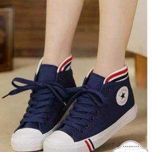 รองเท้าผ้าใบสีน้ำเงิน ลำลองหุ้มข้อ รุ่นฮิตขายดีมากๆ ทรงสวยเรียบร้อย สวมง่าย แฟชั่นเกาหลี แฟชั่นพร้อมส่ง