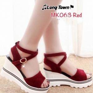 รองเท้าส้นเตารีดสีแดง แบบรัดข้อสไตล์เกาหลี วัสดุทำจากผ้ากำมะหยี่+PU ให้สัมผัมที่นุ่มมาก ส้นน้ำหนักเบา 3.5 นิ้ว เสริมหน้า 1.5 นิ้ว