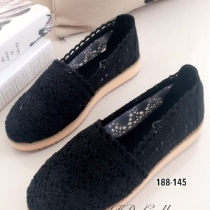 รองเท้าผ้าใบผู้หญิง ผ้าลูกไม้ ส้นขนมปัง (สีดำ )