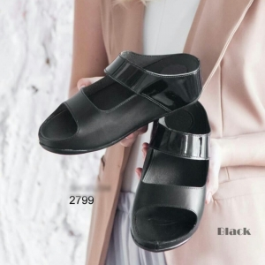 รองเท้าแตะผู้หญิง ทรงสวม สายคาดสองตอน (สีดำ )