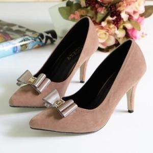 รองเท้าคัทชูหัวแหลม ส้นสูง แต่งโบว์ (สีน้ำตาล )