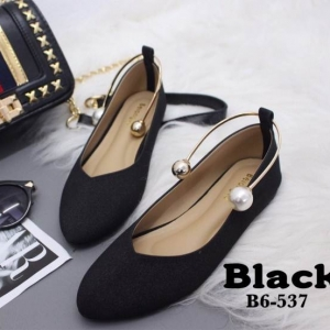 รองเท้าคัทชูส้นเตี้ยสีดำ หน้าวี สไตล์ GUCCI (สีดำ )